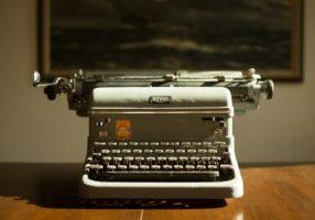 Hero image typewriter